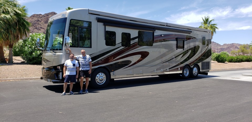 Jumped into the RV life with both feet, just took delivery of our new 2019 Newmar Dutch Star 43 footer. Our inaugural RV trip and our first Rainbow outing will be Pechanga, Temecula, can't wait!