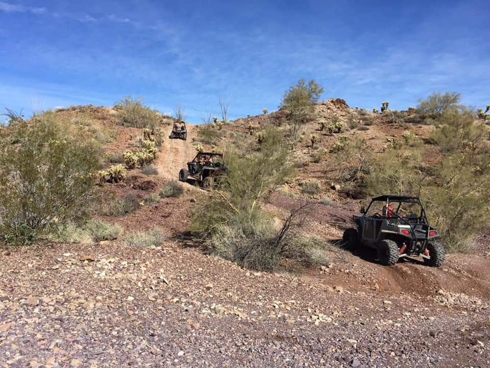 4x4 Polaris Razor trail riding with the guys and gals is just 1 of the awesome festivities tha Rainbow RV family and friends partake in at this year's Quartzsite AZ Rally