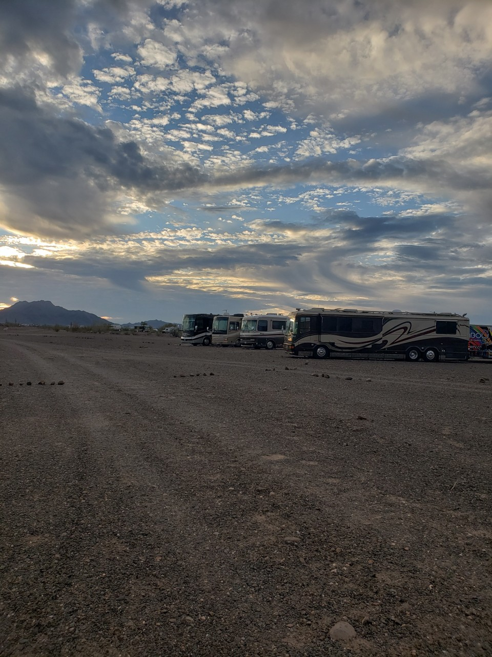 Quartzsite Arizona Rally FYI: There were no issues with entering the La Posa South Kiosk BLM in regards to the Government shutdown.  We are were able to set up camp, we have already 4 rigs starting the circle of rigs here at camp Rainbow RV.