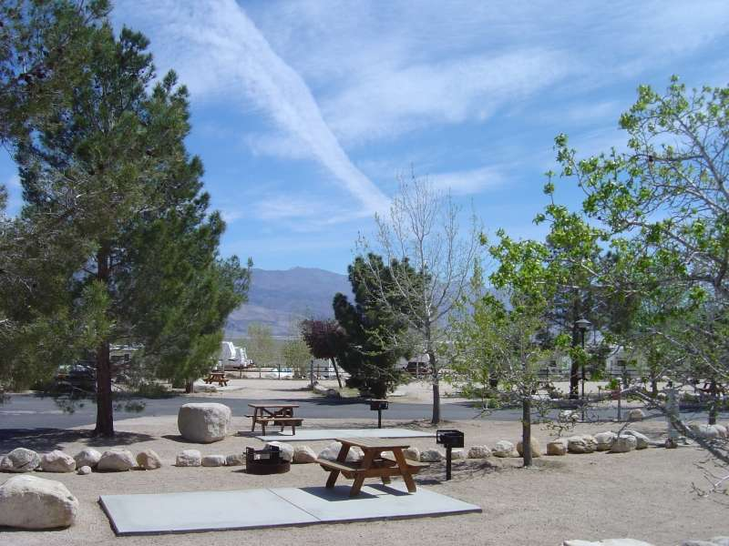 RainbowRV.com - Boulder Creek RV Resort (Lone Pine)